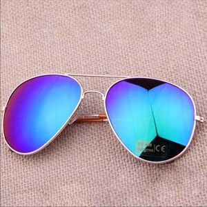 Accessories - 🕑DAILY STEAL🕑 Blue Mirrored Aviator Sunnies